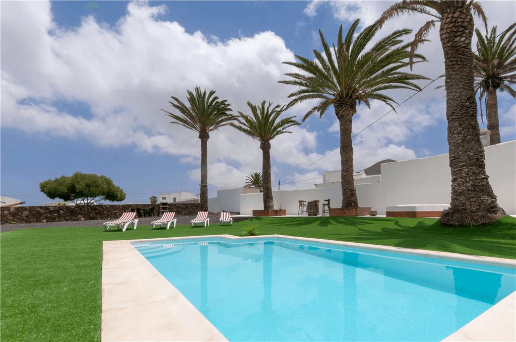 Casa rural para 6 personas con piscina privada en tinajo for Casa rural con piscina privada