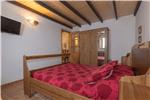 Dormitorio con 1 cama doble