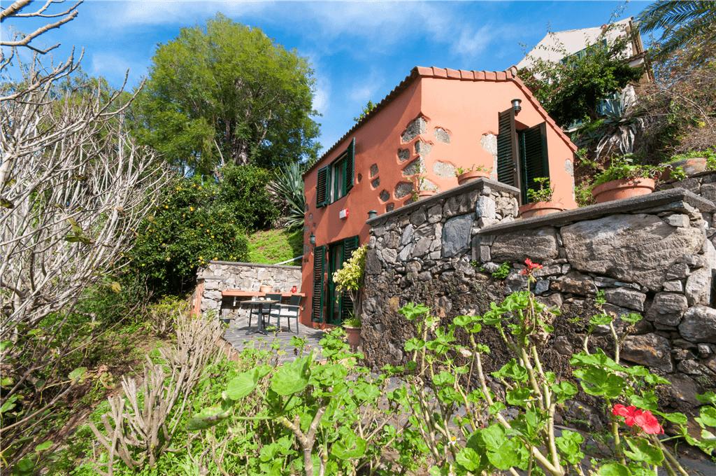Casa rural con piscina compartida en el zumacal gran for Casa con piscina tenerife